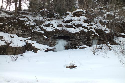Вход в Бондаревскую пещеру